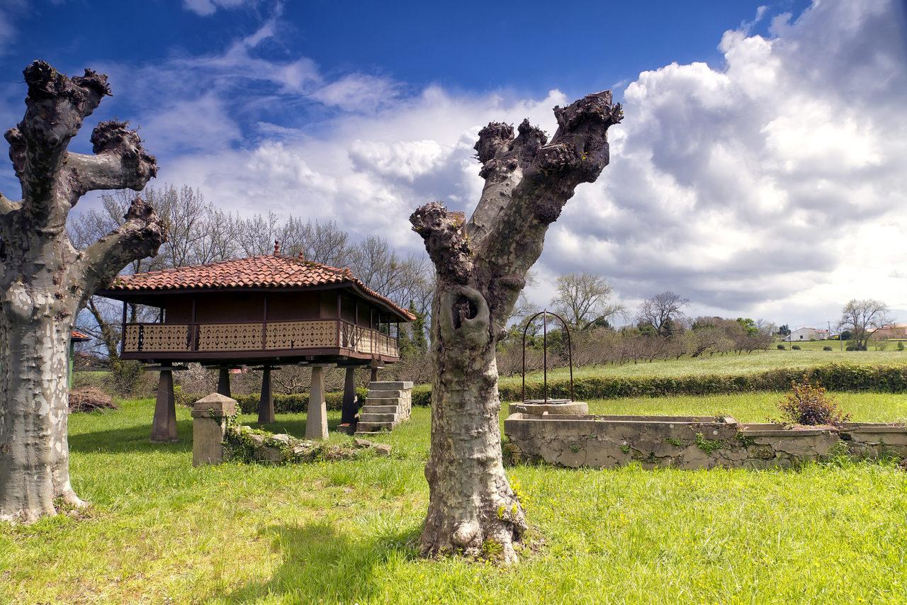 bigstock-Horreo-In-Gijon-Asturias-Spa-33031922-1280x854.jpg