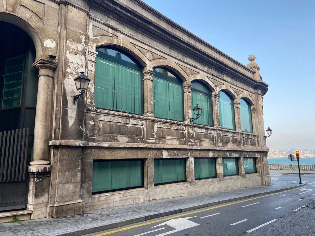fachada pescadería municipal gijon